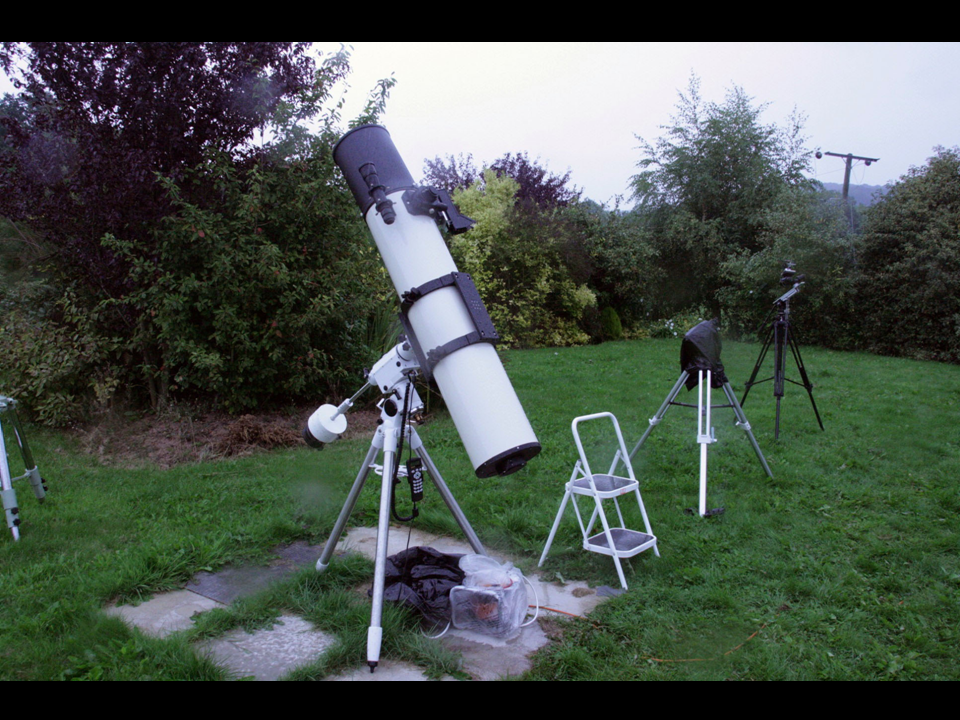Maksutov  Newtonian telescope on an HEQ5 Mount